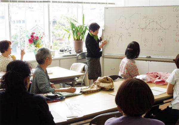 服飾教育-【ユニバーサル服飾高等学院】洋裁教室の運営_05