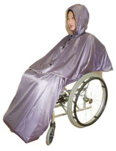 雨の日でも、全身を暖かくして車イスでお出かけができるように、リバーシブルコート&レインコートなどもお作りしています